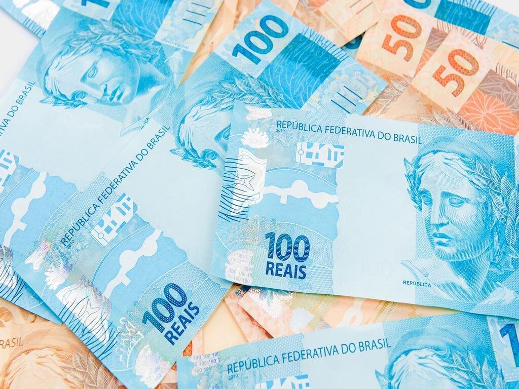 ¿Cómo convertir reales a pesos argentinos?
