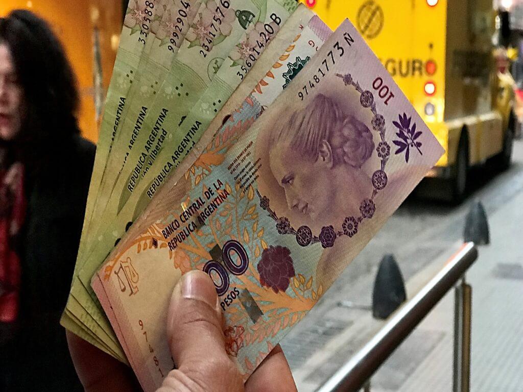 ¿Qué quiere decir ARS en dinero?